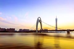 Ponte de Guangzhou no crepúsculo Fotos de Stock Royalty Free