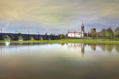 Ponte De Lima, église, sépia Photographie stock