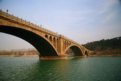 Ponte de Longmen em Luoyang Fotografia de Stock