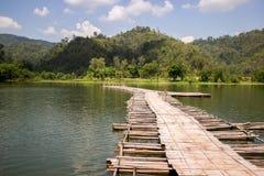 A ponte de madeira Fotografia de Stock Royalty Free