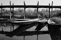 Ponte de madeira no lago Inle Fotos de Stock