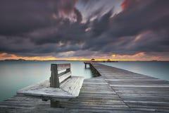 Ponte de madeira no mar Fotografia de Stock Royalty Free