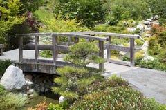 Ponte de madeira no parque japonês San Diego do balboa do jardim da amizade fotografia de stock