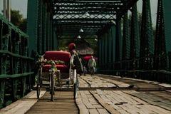 Ponte de madeira velha Fotos de Stock