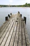 Ponte de madeira velha do pé no mar Imagem de Stock Royalty Free