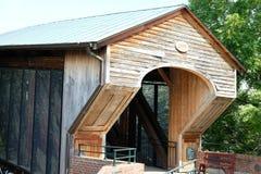Ponte de madeira velha de Salem foto de stock royalty free