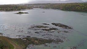 Ponte de Menai e os passos na ilha do por do sol de Anglesey Gales norte filme