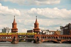 Ponte de Oberbaum, Berlim imagem de stock