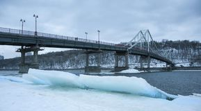 Ponte de pedestre em Kiev fotografia de stock