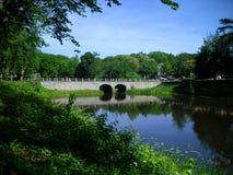 A ponte de pedra antiga Fotos de Stock Royalty Free