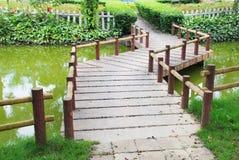 Ponte de pedra do pavimento do enrolamento Fotografia de Stock Royalty Free