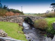 Ponte de pedra velha Fotos de Stock Royalty Free