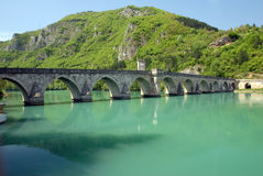 Ponte de pedra velha em Visegrad Fotografia de Stock