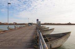 Ponte de pontão no estuário do rio de Po, Itália Fotografia de Stock