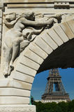 Ponte de Pont de Bir-Hakeim, Paris, França. Fotos de Stock