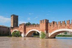 Ponte de Ponte Pietra, Verona, Italy imagens de stock