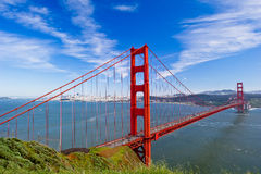 Ponte de porta dourada