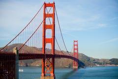 A ponte de porta dourada Fotos de Stock Royalty Free
