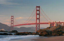Ponte de porta dourada da praia Imagem de Stock Royalty Free
