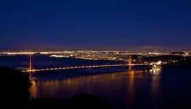 Ponte de porta dourada em Noite Fotografia de Stock