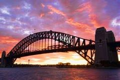 Ponte de porto de Sydney no crepúsculo fotografia de stock