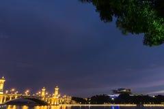 Ponte de Putrajaya no alvorecer imagens de stock royalty free