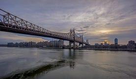 Ponte de Queensboro, igualmente conhecida como a 59th ponte da rua Fotos de Stock Royalty Free