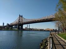 Ponte de Queensboro de Roosevelt Island, NYC, NY, EUA Fotografia de Stock Royalty Free