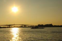 A ponte de Rama III no tempo do por do sol Fotografia de Stock Royalty Free