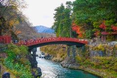Ponte de Shinkyo Cacred no patrimônio mundial de Nikko em Japão imagem de stock royalty free