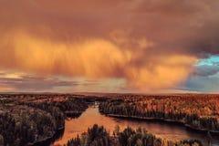 Ponte de Smaalenene em Noruega sobre o rio Glomma foto de stock royalty free