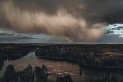 Ponte de Smaalenene em Noruega sobre o rio Glomma fotos de stock