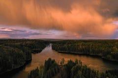 Ponte de Smaalenene em Noruega sobre o rio Glomma imagens de stock
