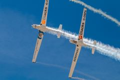 PONTE DE SOR, PORTOGALLO - 3 JUNHO, 2019: il gruppo acrobatici esegue le acrobazie aeree r fotografie stock