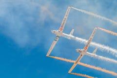PONTE DE SOR, PORTOGALLO - 3 JUNHO, 2019: il gruppo acrobatici esegue le acrobazie aeree r fotografia stock