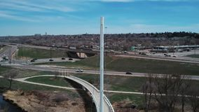 Ponte de suspensão branca em Denver Colorado video estoque