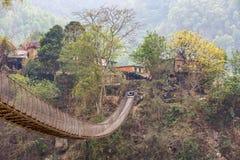 Ponte de suspensão nas montanhas Fotografia de Stock