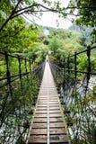 Ponte de suspensão no desfiladeiro de Taroko foto de stock