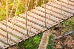 Ponte de suspensão, passagem ao aventuroso imagens de stock royalty free