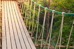 Ponte de suspensão, passagem ao aventuroso foto de stock royalty free