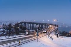 Ponte de Tromsø na luz ártica no meio-dia Foto de Stock Royalty Free