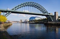 Ponte de Tyne e sábio Gateshead Fotografia de Stock