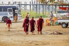 Ponte de U Bein, Amarapura, Mandalay, Myanmar imagens de stock royalty free