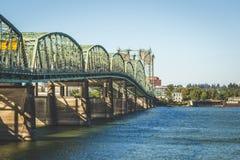 Ponte 5 de um estado a outro em Portland, Oregon Foto de Stock