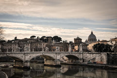 Ponte de Vittorio Emanuele II em Roma, Itália foto de stock royalty free