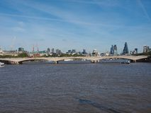 Ponte de Waterloo em Londres Fotografia de Stock Royalty Free
