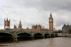 Ponte de Westminster sobre o rio Tamisa no palácio de Londres Westminster com Big Ben fotos de stock