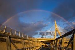 Ponte de Zakim sob um arco-íris Imagem de Stock Royalty Free