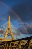 Ponte de Zakim sob um arco-íris Fotos de Stock Royalty Free
