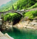 Ponte dei Salti, Lavertezzo 瑞士 免版税库存图片
